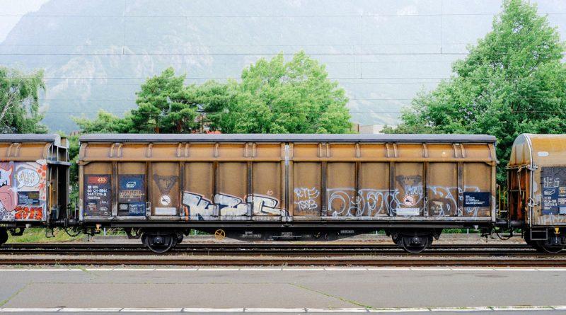 transport železnicom