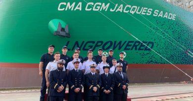 Najveći kontejnerski brod na LNG pogon na svetu kreće na put! (VIDEO)