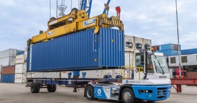 First hydrogen-powered terminal tractor operational in port of Rotterdam